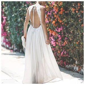 white open back maxi flower dress ✨🥂